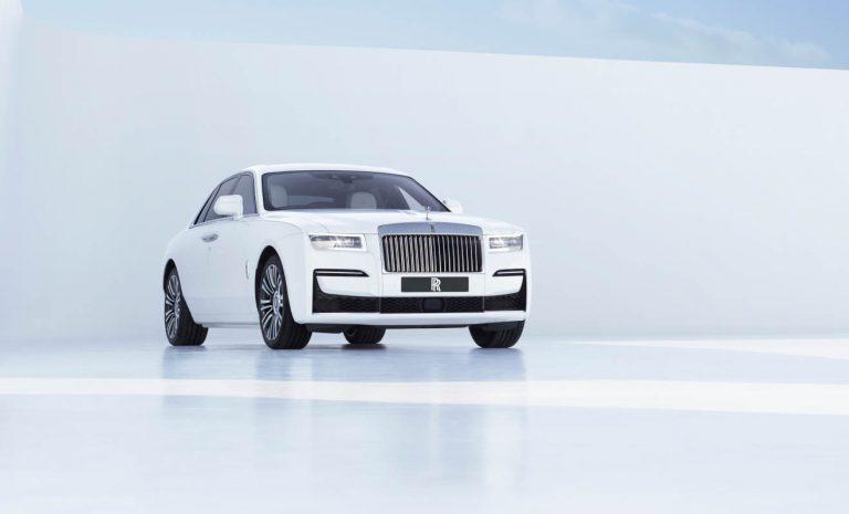 Rolls-Royce Ghost: Mit Sternschnuppen am Dachhimmel