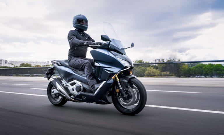 Honda Forza 750: Komfort kombiniert mit viel Leistung