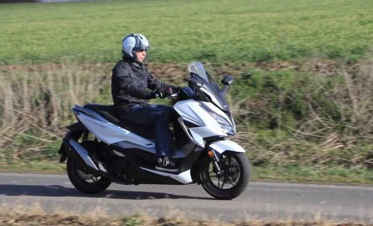 Honda Forza 350: Tourentauglicher Mittelklasse-Roller