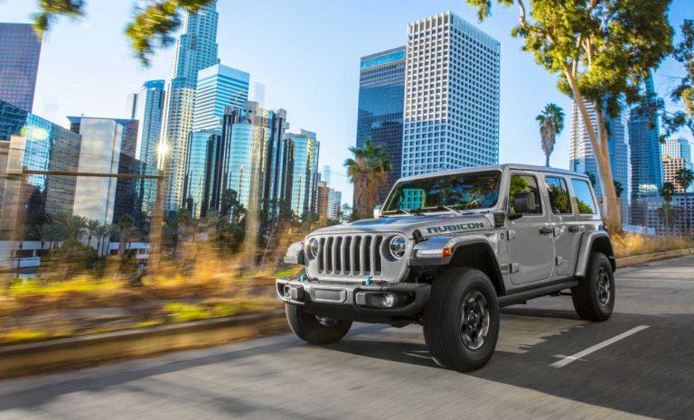 Jeep Wrangler Unlimited mit Stecker bestellbar