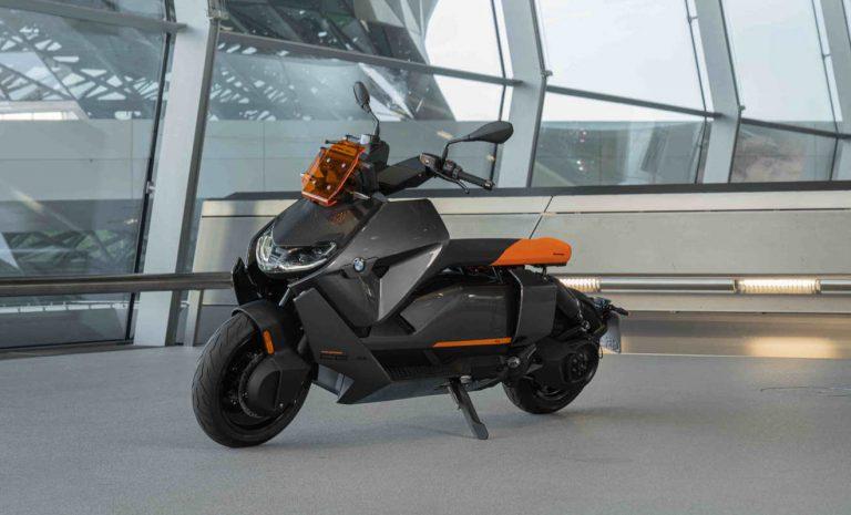 BMW CE 04: Neuer E-Roller mit innovativen Lösungen