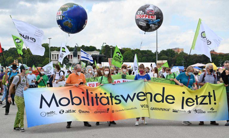 Protest gegen IAA: «Vorfahrt allein fürs Auto ist vorbei»