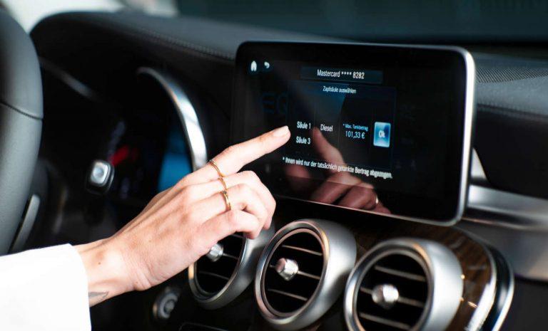 In-Car-Payment: Wenn das Auto die Tankrechnung zahlt