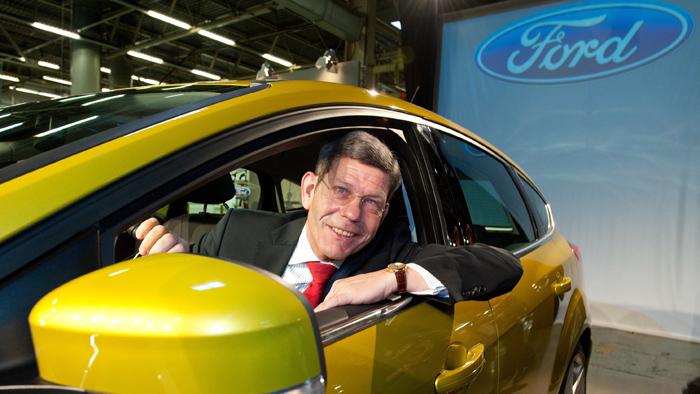 Ford-Chef Bernard Mattes im neuen Focus.