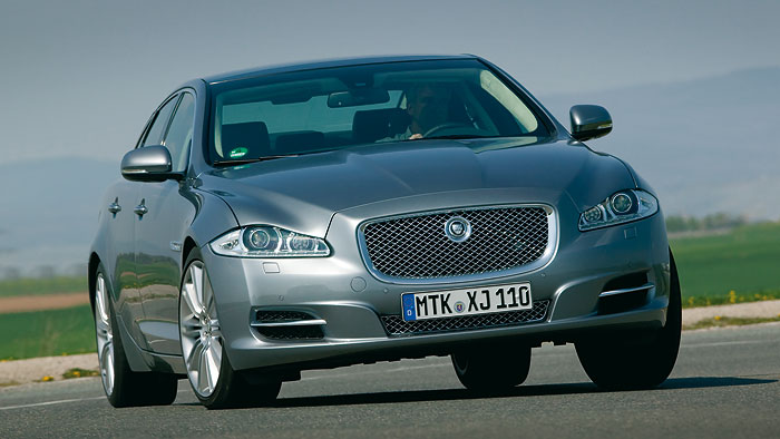 C-Type: Jaguar plant kleinen Sportler