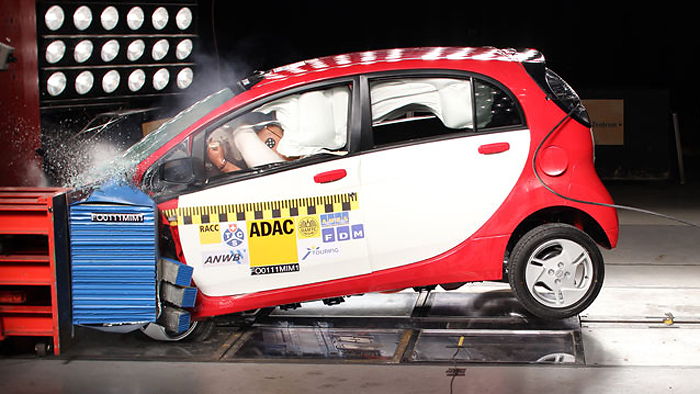 ADAC: Gute Insassensicherheit im Mitsubishi i-MiEV