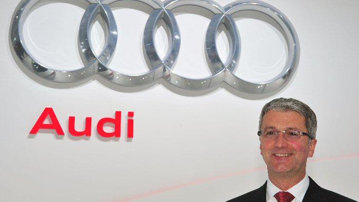 Audi fährt an Daimler vorbei