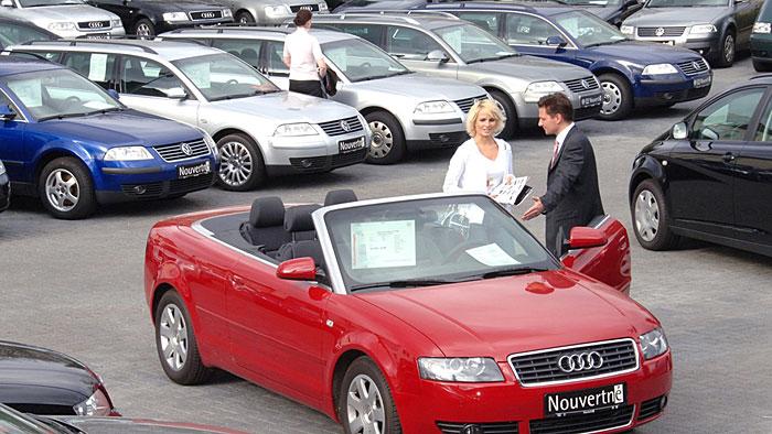 Scharfer Wettbewerb lässt Autopreise sinken