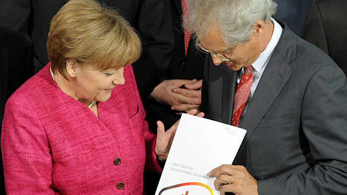 Merkel bekräftigt Führungsanspruch bei Elektromobilität