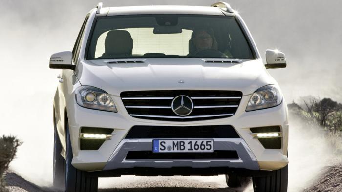 Mit der Mercedes M-Klasse kann man auch ins Gelände.
