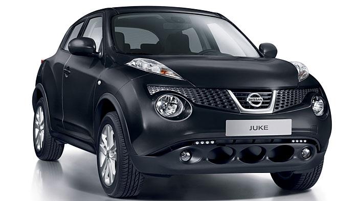 Nissan juke ganz in schwarz for Nissan juke schwarz rot