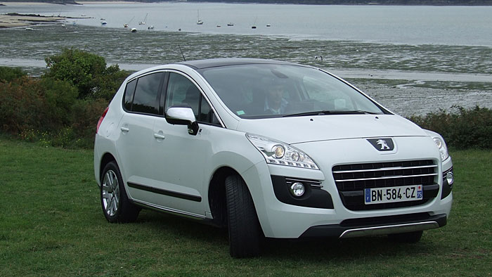 Peugeot 3008 Hybrid4: Fußspitzengefühl gefragt
