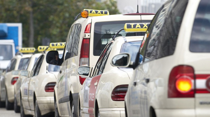 Taxitest: ADAC fordert Ende des Tarifwirrwars