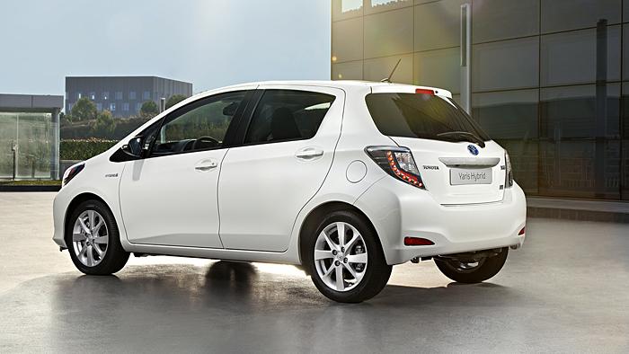 toyota stattet yaris mit hybridantrieb aus - autogazette.de