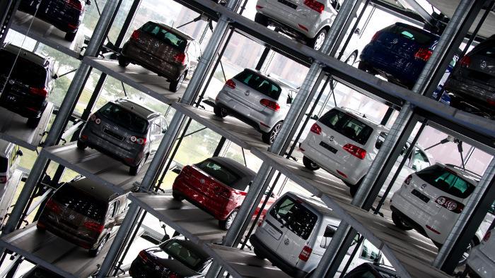 VW-Absatz sinkt, Opel legt deutlich zu