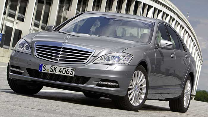Die Mercedes S-Klasse sorgt für Absatzbestwerte.