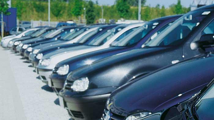 Gebrauchtwagen sollten vor dem Kauf überprüft werden.