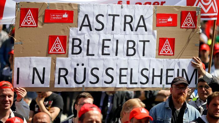 Warnstreik bei Opel am Stammsitz in Rüsselsheim.