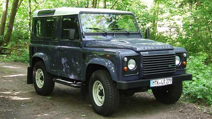 Der Land Rover Defender hat seine Gene über 64 Jahre erhalten