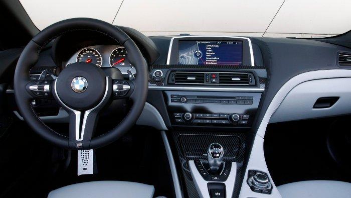 Das Cockpit des BMW M6 Cabrio