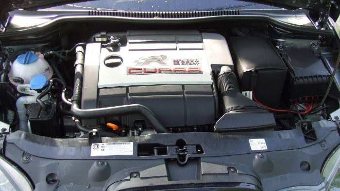 Der 2.0 TSI im Seat Leonb Cupra R leistet 265 PS.
