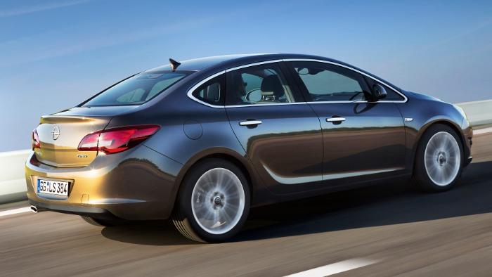 Opel bringt vom Astra eine Limousine auf den Markt.