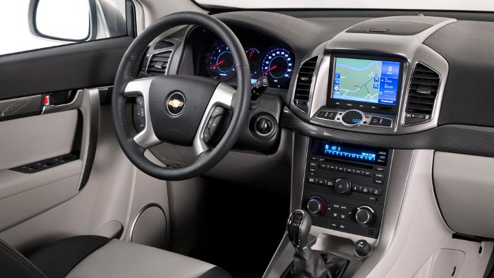 Das Cockpit des Chevrolet Captiva