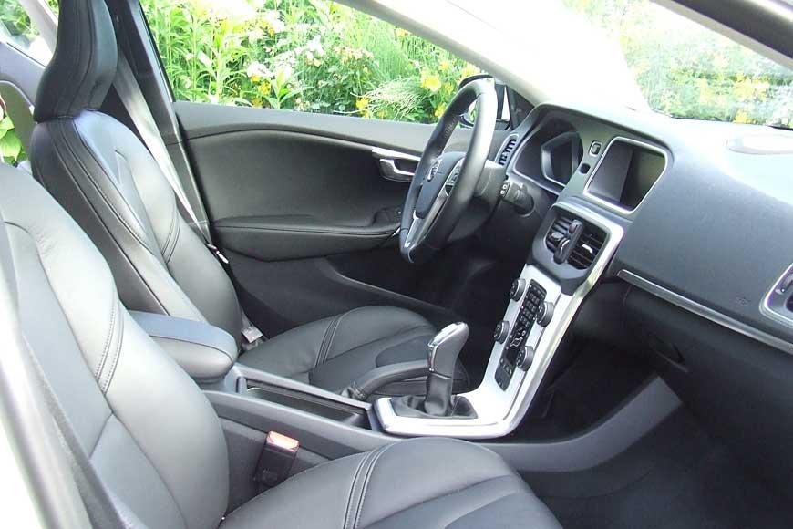 Mit dem neuen V40 hat Volvo einen starken Mitbewerber gegen die A-Klasse von Mercedes, den Audi A3 und den Einser-BMW.