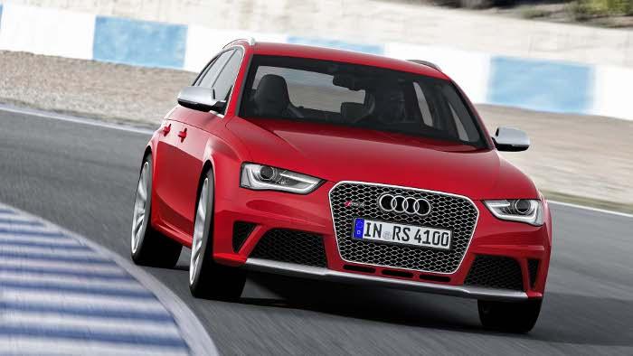 Der Audi RS4 hat einen V8 mit 450 PS.