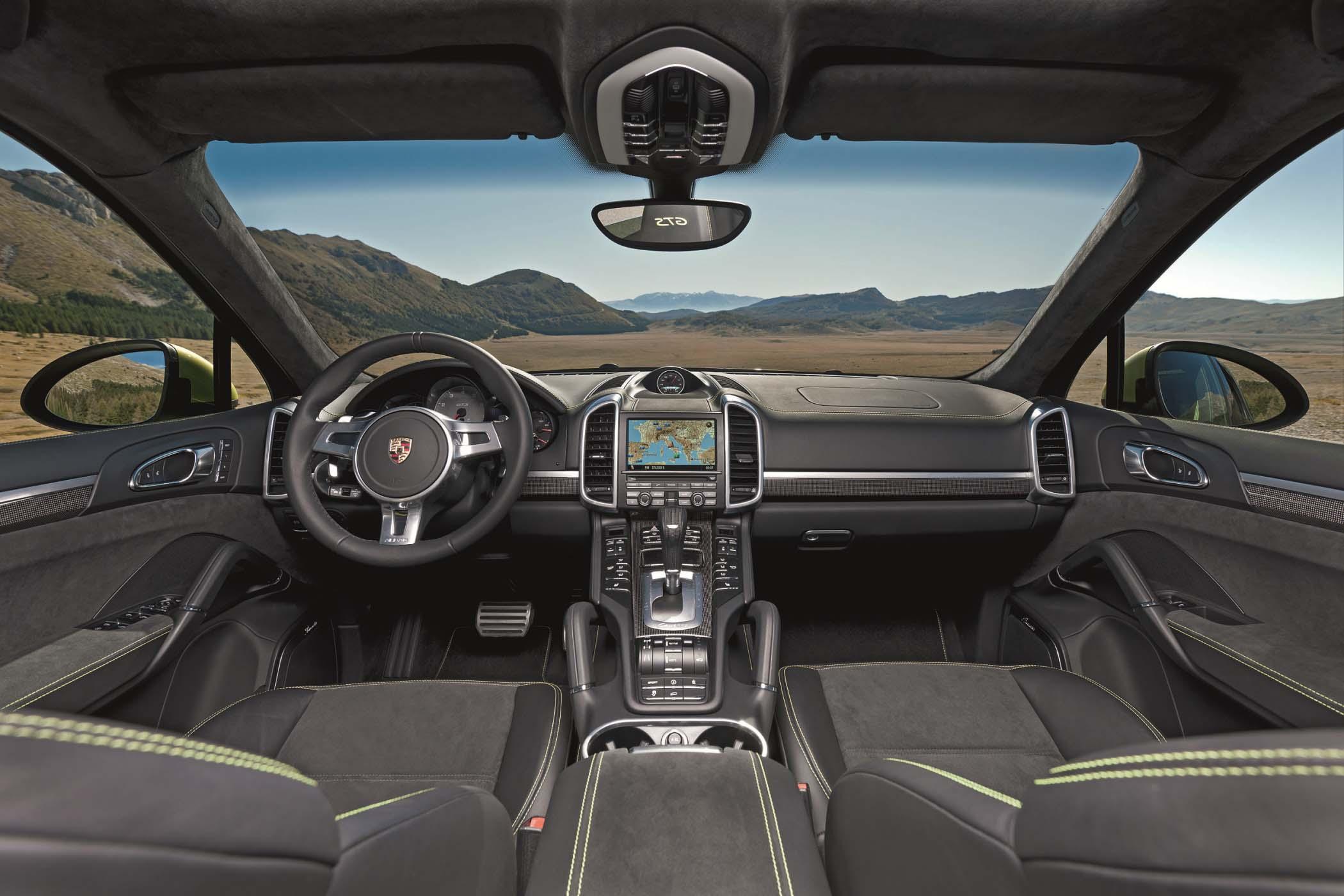 Der Porsche Cayenne GTS begeistert nicht nur mit poppigen Farben