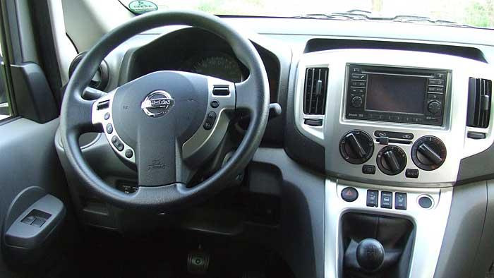 Der Nissan NV200 Evalia bietet bis zu sieben Personen Platz.