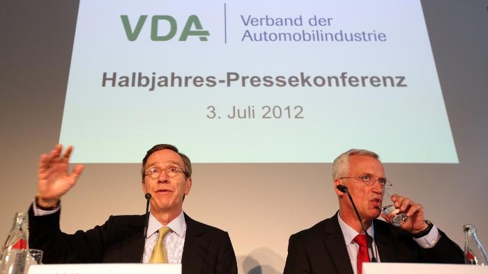 VDA-Präsident Matthias Wissmann auf der Pressefonferenz in Berlin.