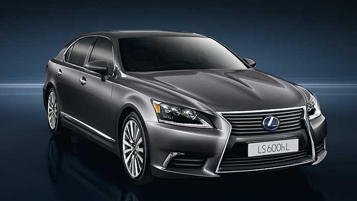 Lexus hat die LS-Baureihe überarbeitet.