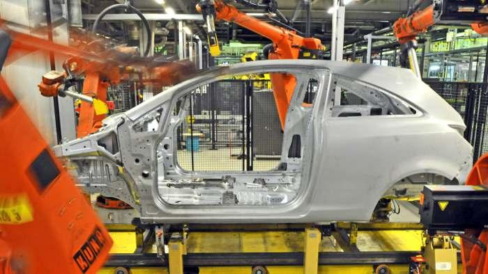 Machnig fordert Bestandsgarantie für Opel in Eisenach