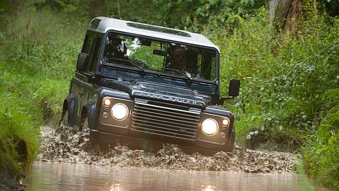 Der Land Rover Defender geht noch nicht unter.