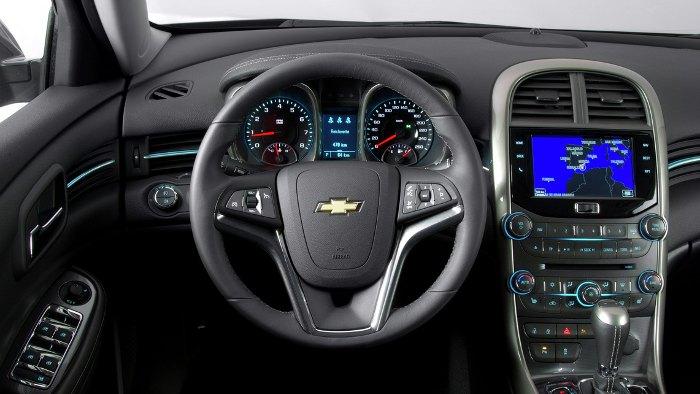 Das Cockpit des Chevrolet Malibu.