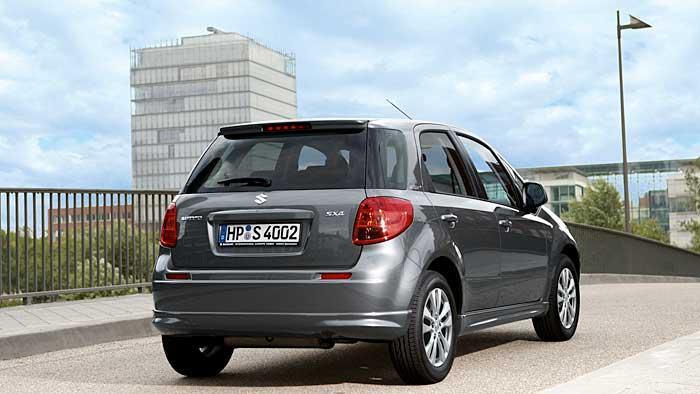 Der Suzuki SX4 city + steht ab 17.990 Euro bereit.