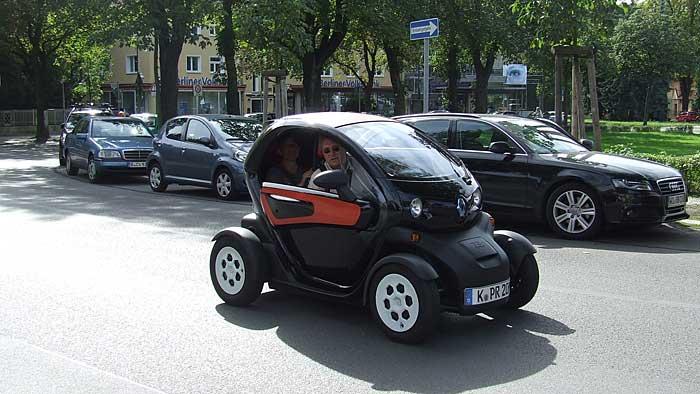 Emissionsfrei mit dem Renault Twizy durch die Stadt.