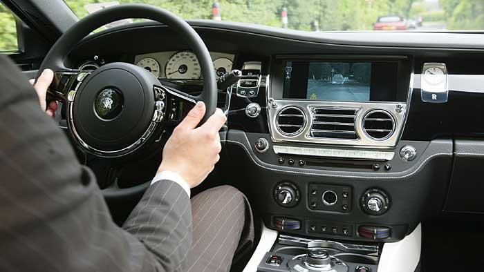 Der Rolls-Royce Ghost ist knapp über der Oberklasse platziert.