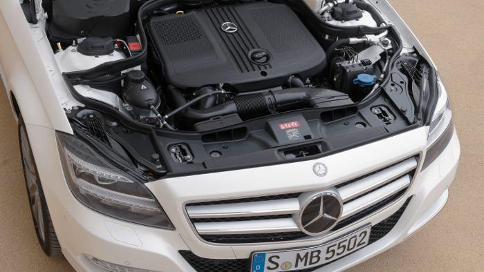 Der Vierzylinder im Mercedes Shooting Brake.