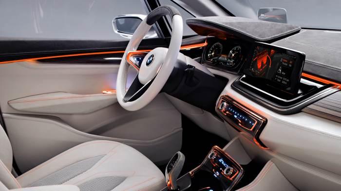 Das Cockpit im BMW Active Tourer.