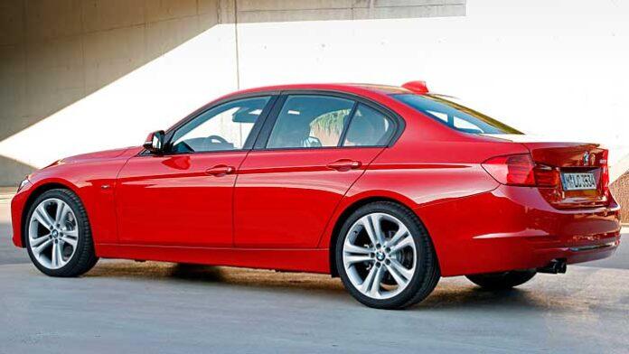 Der BMW 328i verfügt nur noch über vier Zylinder.