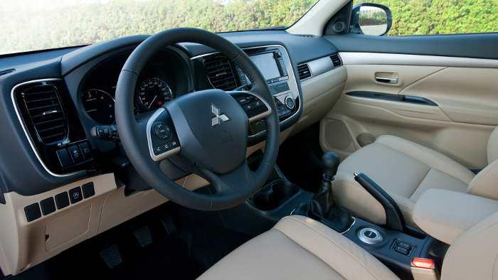 Innenraum des Mitsubishi Outlander.