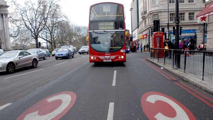 Verkehrsminister prüfen City-Maut
