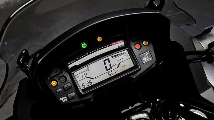 Der Honda VFR 1200 X Crosstourer wiegt stolze 275 Kilogramm.