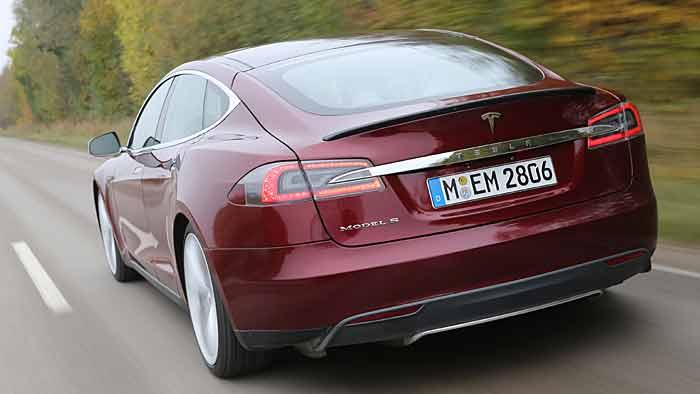 Tesla erhöht Produktion seiner Elektroautos