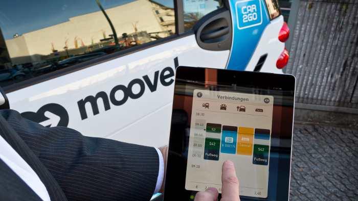Mit Moovel lassen sich auf dem iPad verschiedene Dienstleister abfragen.