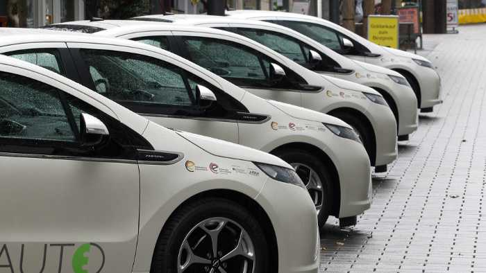 Beim Forschungprojekt RuhrAuto-e sind 20 Opel Ampera im Einsatz.