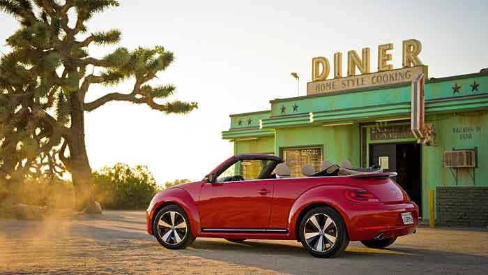 Das neue VW Beetle Cabrio kann ab sofort bestellt werden.