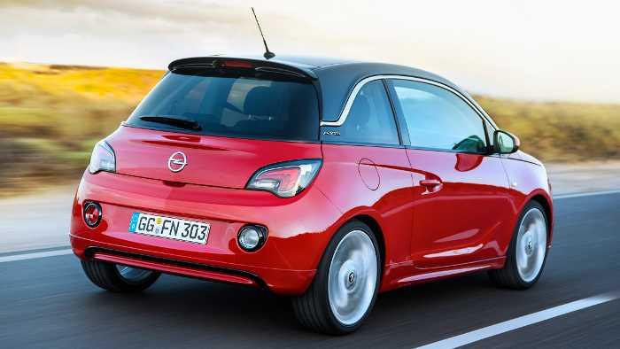 Das breite Heck des Opel Adam.